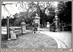 Oakwood Cemetary, Austin History Center
